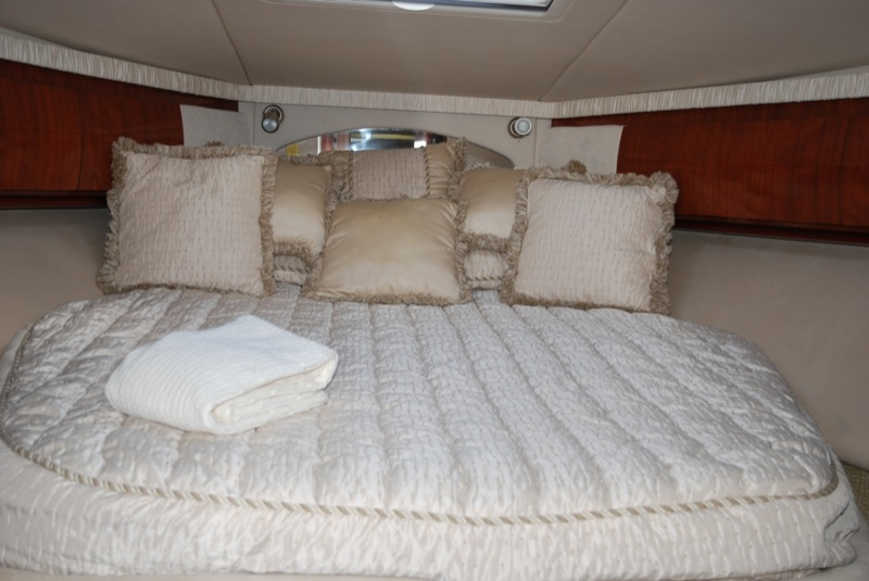 SeaRayPhotosMasterBedroom